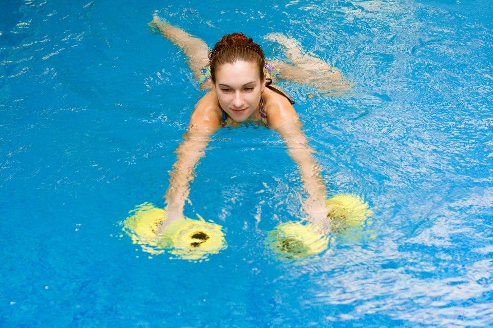 Một số hiện tượng thường gặp ở bể bơi và cách giải quyết