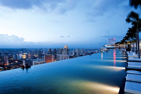 8 khách sạn có hồ bơi đẹp ở Singapore