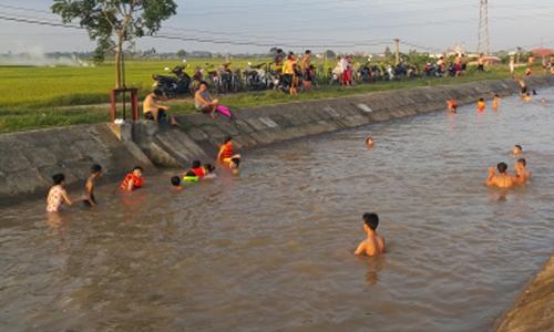 Bể bơi độc của dân Hà Nội