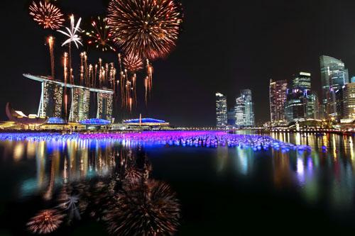 Độc đáo hồ bơi trên không tại Singapore
