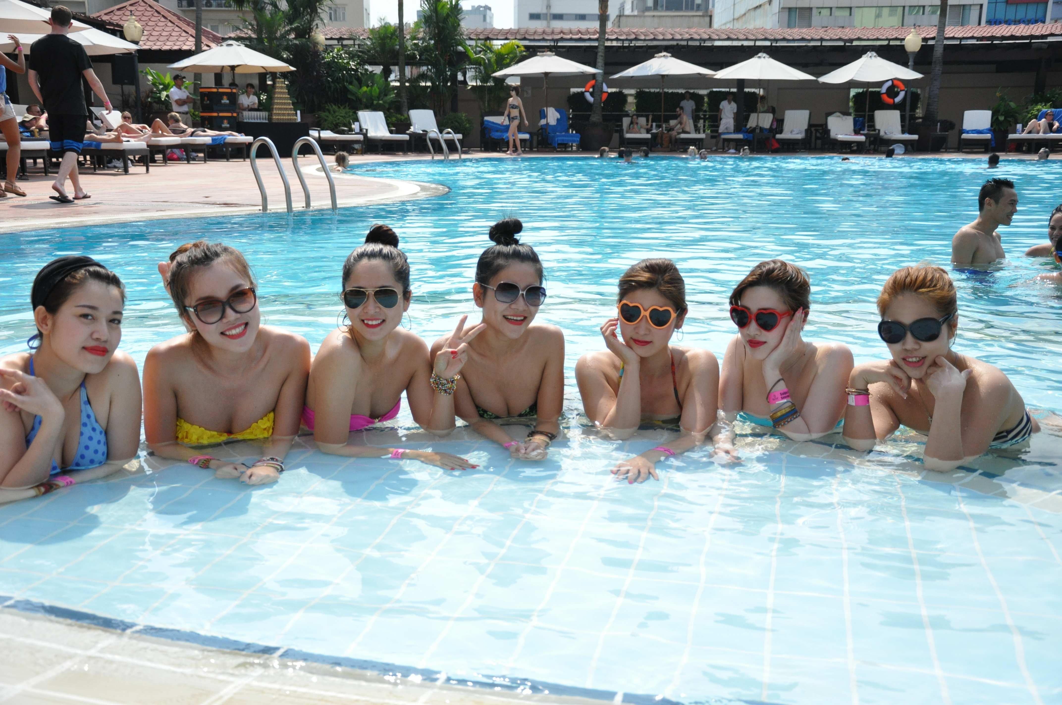 Cách nhận biết bể bơi nhiễm độc và cách tắm an toàn chốn công cộng