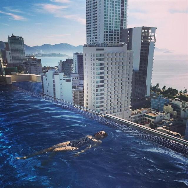 Hồ bơi tràn bờ tại Nha Trang