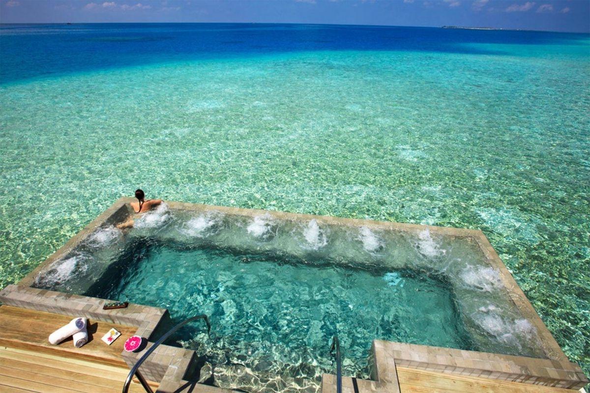 Những hồ bơi siêu hấp dẫn trên thế giới