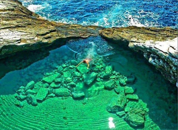 Top hồ bơi tự nhiên đẹp nhất thế giới
